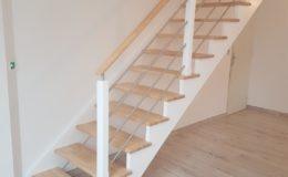 Escalier droit laqué blanc