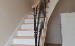 Escalier bois laqué blanc